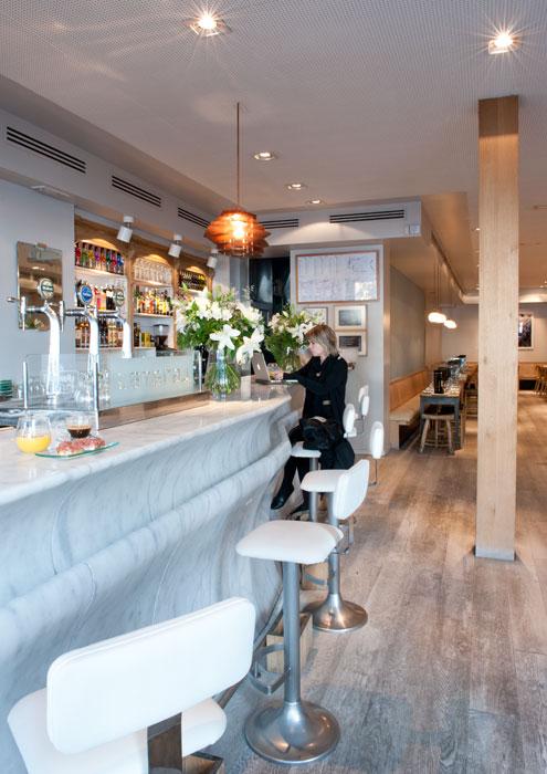 Restaurantes con terraza en madrid lateral plaza santa ana for Restaurantes con terraza madrid